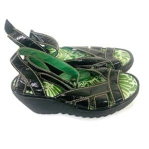 Fly London   Ankle Strap Sandals Black & Green 37